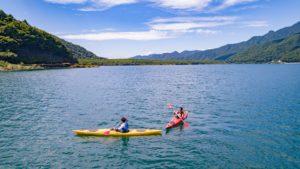 【寄稿記事】西湖の達人と行く湖上旅!原点回帰の大自然でカヌー・カヤック体験