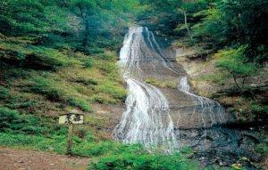 白糸の滝(山梨県・富士吉田市)